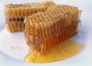 خواص موم عسل در طب اسلامی